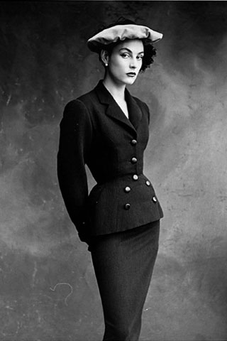 Is this Colette, Balenciaga's favorite model from the 1950s? [Photo source: Fashion Spot/Vogue]