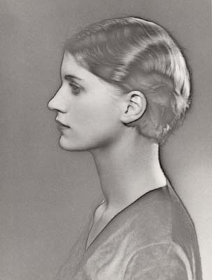 Lee Miller, Surrealist muse, photographed by Man Ray, Paris ca. 1930