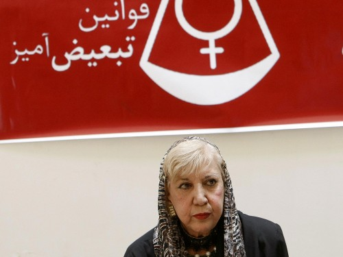 Iranian poet Simin Behbahani speaks at a press conference in Tehran in 2007. [Photo by Behrouz Mehri/AFP/Getty Images/NPR]